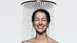 hg_alvensleben-woman-overhead-shower-royal2_730x411_1